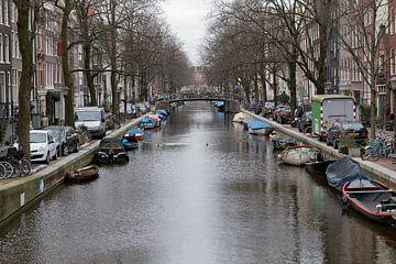 Typisch Amsterdamse gracht van gea strucks