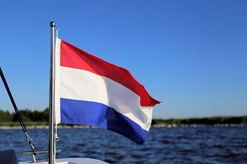 Nederlandse vlag aan boord