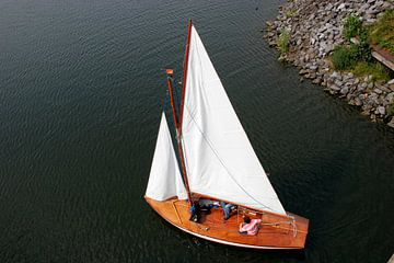 Varende boot von Kristel van den Boom