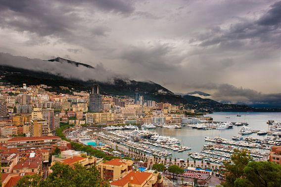 Monaco in de regen  van Brian Morgan