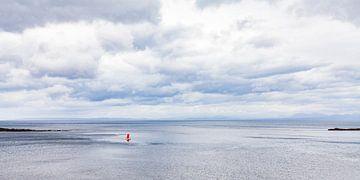 Segeljolle Optimist auf der Isle of Skye in Schottland von Werner Dieterich