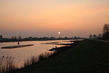 zonsopkomst boven de Hollandsche IJssel