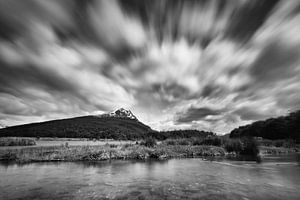 Lago del Roca in zwart wit