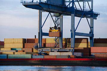 Containerterminal in de Rotterdamse haven van Peter de Kievith Fotografie