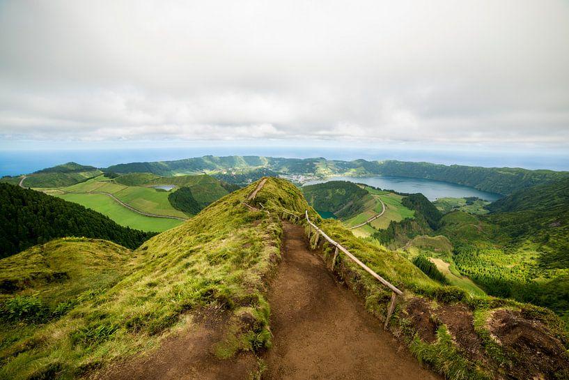 Uitzicht van Boca do Inferno, São Miguel, Azores, Portugal van Ellis Peeters