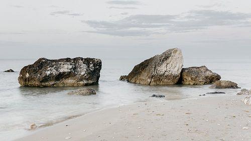 Des rochers dans la mer, Italie