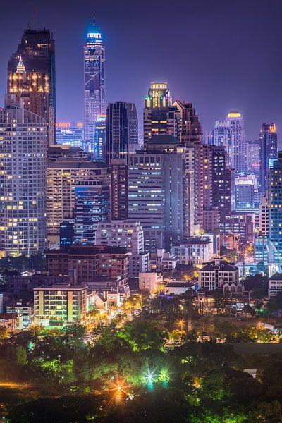 Downtown Bangkok by night van Jelle Dobma