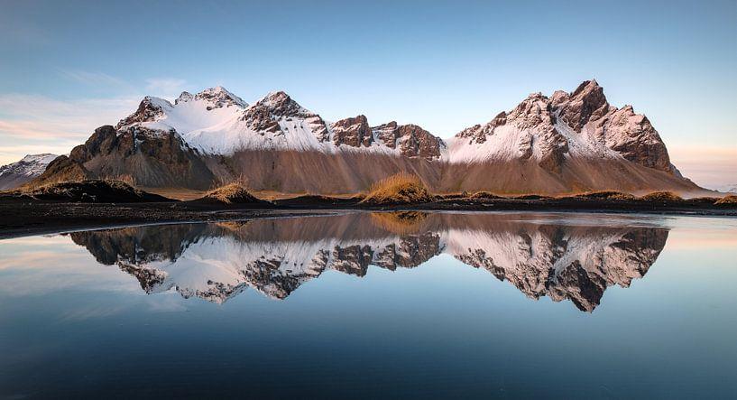 Winterse reflectie van Rudy De Maeyer