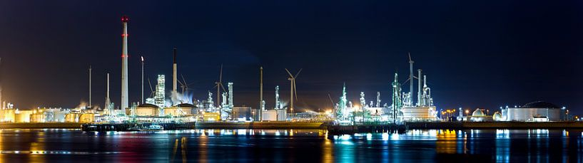 Panorama haven Rotterdam; industrie van Anton de Zeeuw