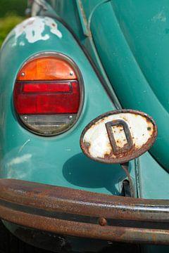Länderkennzeichen D-Schild und Scheinwerfer an einem VW- Käfer