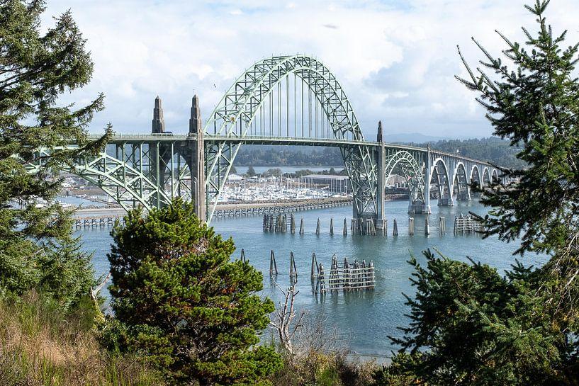 Yaquina Bay Bridge, Newport, Oregon van John Faber