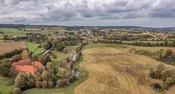 Panorama aérien de la vallée de la Geul dans le sud du Limbourg