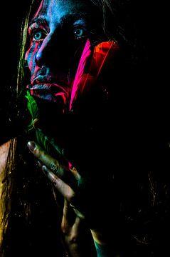 Kunstzinnig geschilderd persoon van