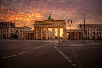 Berlin Brandenburger Tor 2020 von Iman Azizi