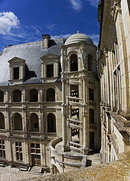 kasteel Chambord binnenplaats met wenteltrap van joyce kool
