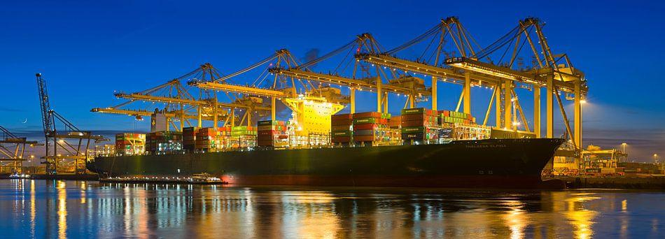 Panorama containerschip