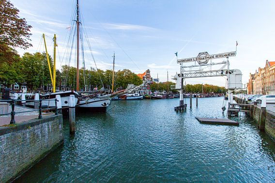 Haven van Dordrecht van Sander Monster