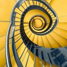 Geel trappenhuis van Martijn Kort