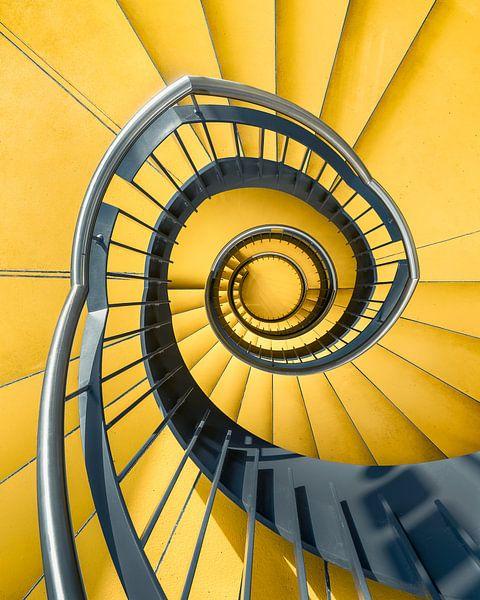 Geel trappenhuis von Martijn Kort