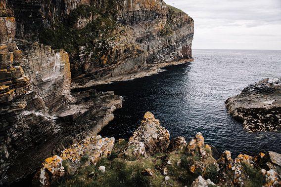 De ruige kust van Schotland