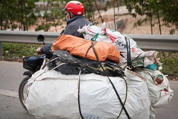 Vervoer per bromfiets op Vietnamese wijze van t.ART