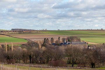 Le monastère de Wittem avec la crête d'Eyser