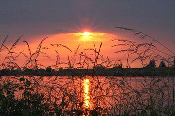 Zonsondergang aan de Lek! van Geert Visser
