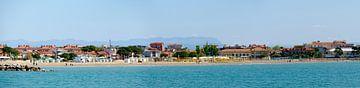Costa Azzurra strand in Grado van Leopold Brix