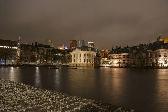 Hofvijver by night van Jaap Burggraaf