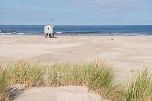 Drenkelingenhuisje op het Noordzeestrand van Terschelling