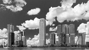 Uitzicht op de Kop van Zuid in zwart-wit van Remco-Daniël Gielen Photography