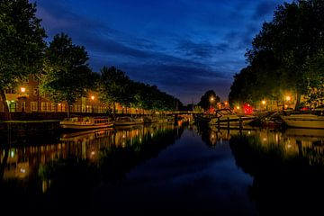 De Weerdsingel in de avond. van George Ino