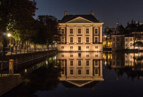 Den Haag Mauritshuis in de nacht van Patrick Löbler
