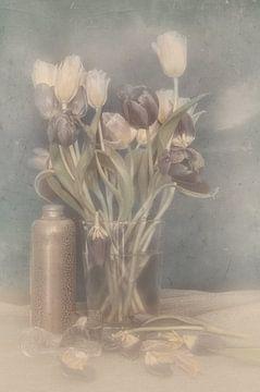 Stilleven Tulpen van Dori Heijmans
