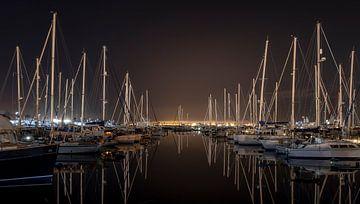 Night in the harbour von Frans Nijland