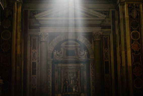 Lichtstraal in de Sint-Pieterbasiliek