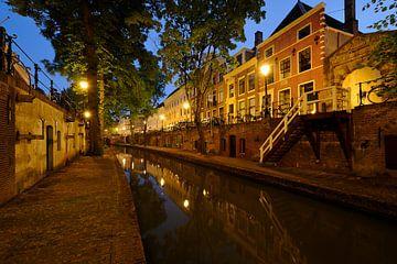 Nieuwegracht in Utrecht tussen Pausdambrug en Paulusbrug von Donker Utrecht