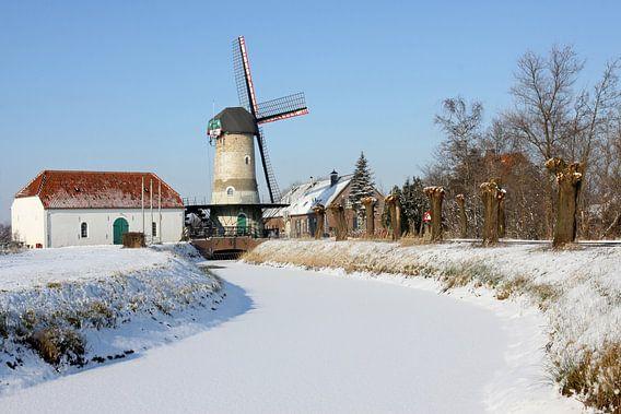 Kildonkse molen in de sneeuw van Antwan Janssen