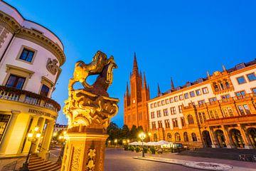 Palais de la ville et nouvel hôtel de ville à Wiesbaden de nuit sur Werner Dieterich