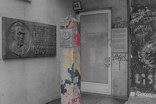 Grenspaal DDR bij Checkpoint Charlie van Amsterdam Fotografie (Peter Bartelings)