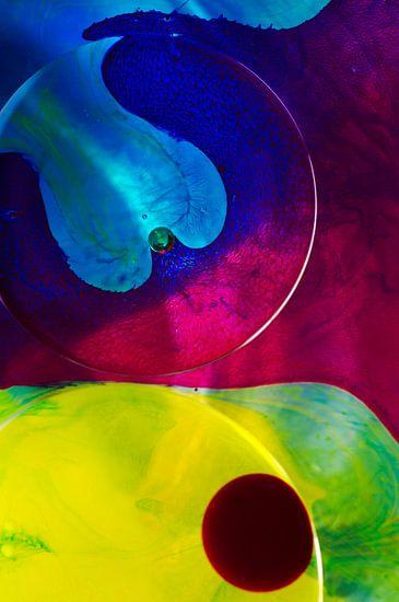 Inkt geel blauw en rood van Edith Lüthi