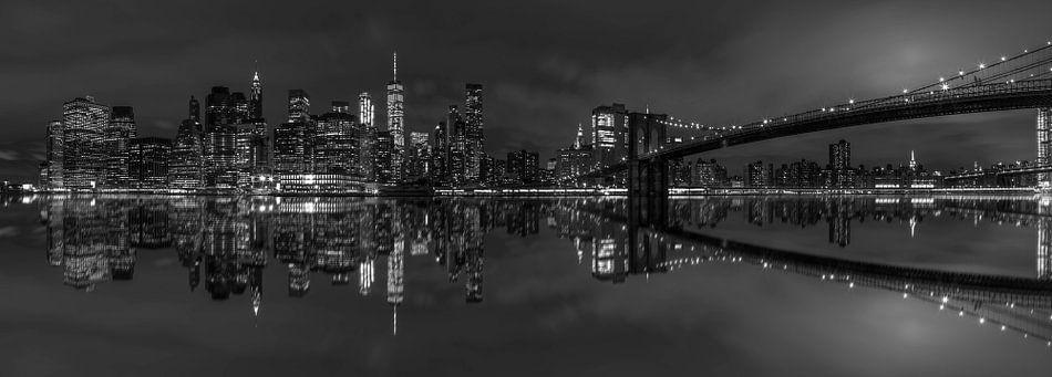 Panorama Brooklyn Bridge & Manhattan skyline  van Rene Ladenius