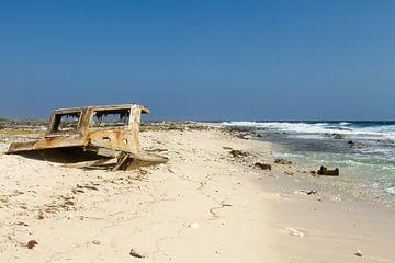 scheepswrak bij klein Curacao no. 1 van Arnoud Kunst