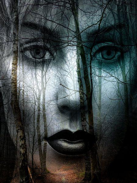 Black lips in the forest von Gabi Hampe