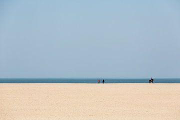 Strakke lijnen aan de kust von JPWFoto