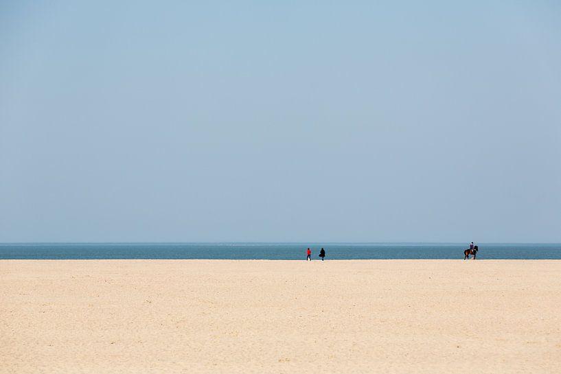 Strakke lijnen aan de kust van Jean-Paul Wagemakers