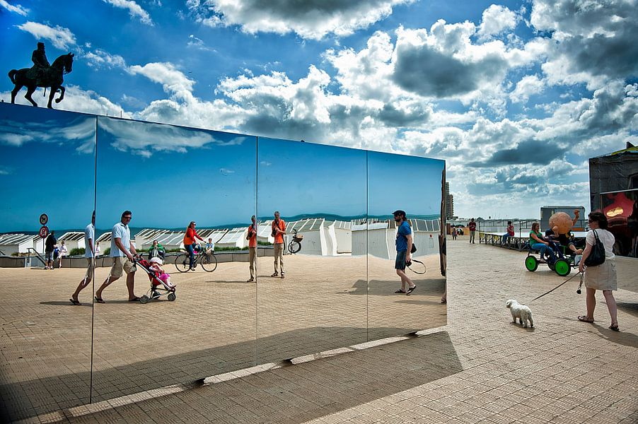 The Beach Oostende van Huibert van der Meer