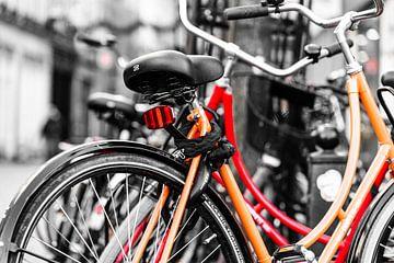 fietsen rood/oranje Maastricht von Chantal Brugmans
