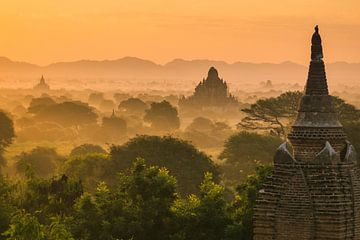 Tempelvallei Bagan, Myanmar van Annemarie Arensen