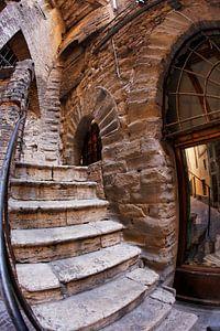 fisheye beeld van een italiaans straatje van